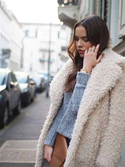 The Teddy Fur Coat on The Luster Edition | Mode mantel