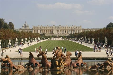 Palace of Versailles & Louvre Guided Tour - City Wonders