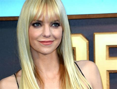 Anna Faris Never Thought She Would 'End Up in Comedy'
