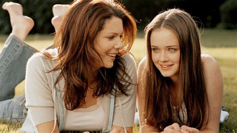 Take Our Gilmore Girls Super-Fan Quiz | InStyle