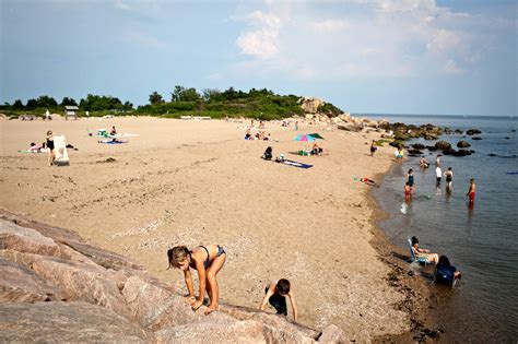 On Connecticut's Quiet Coast - The New York Times