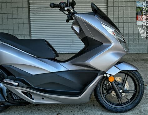 2016 Honda PCX150 Scooter Ride Review   Specs / MPG