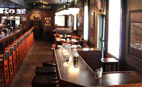 The Fenton Hotel Tavern & Grill | Flint and Genesee