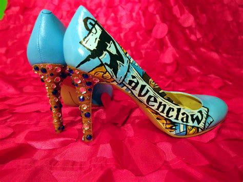 Witches: Hand Painted Hogwarts House High Heels - Geekologie