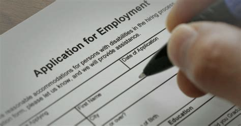 Applications for unemployment benefits up on the week